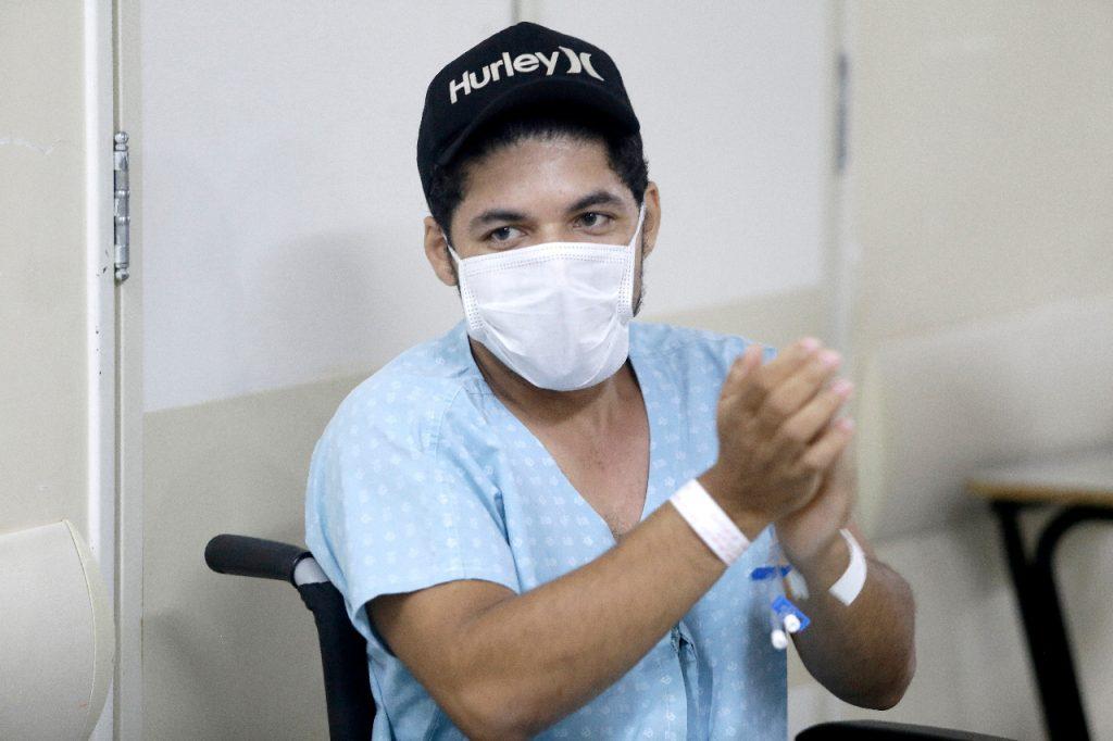 Hathos Augusto na ceia de Natal promovida pela equipe de ortopedia e traumatologia do Hospital de Base