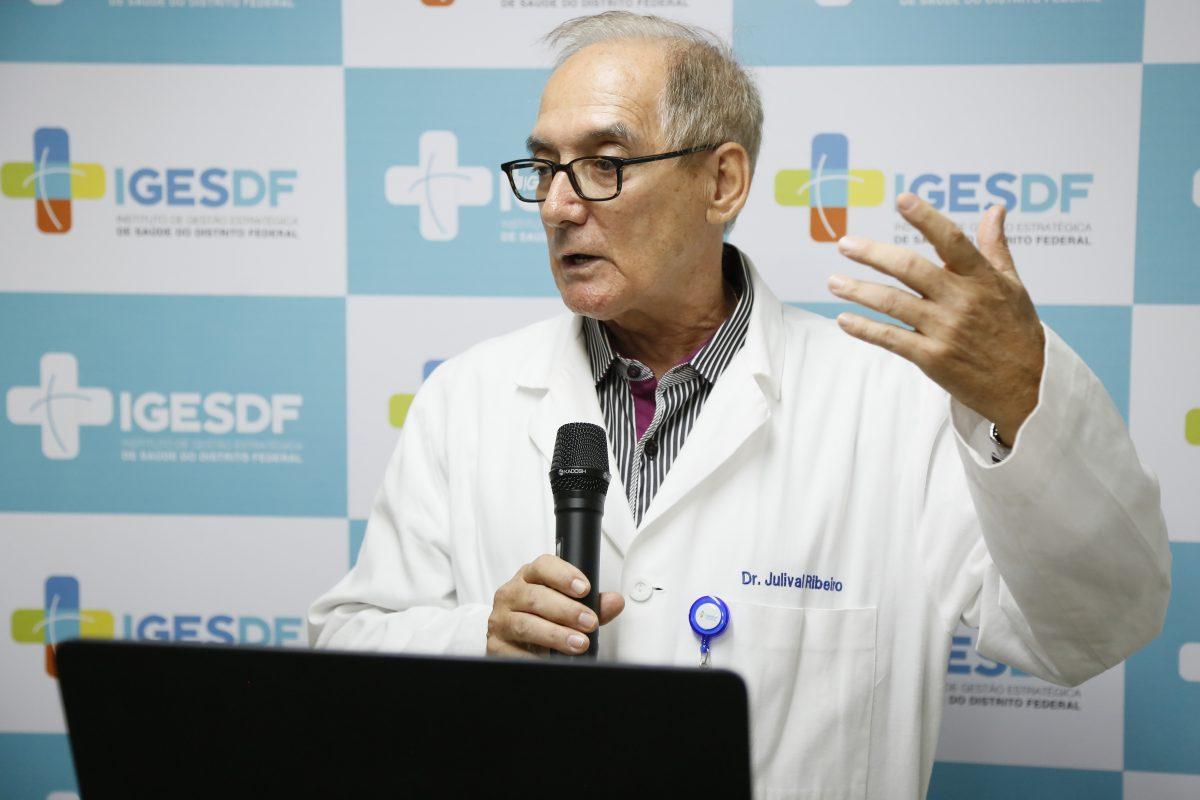 Doutor Julival Ribeiro, infectologista do Iges-DF