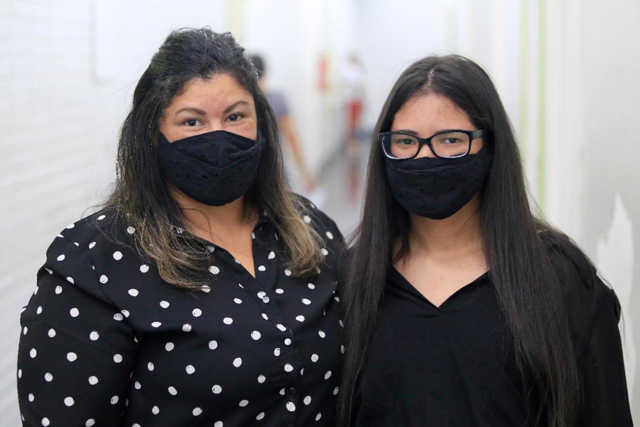 Silvina com a filha Maísa, atendida pelo Neurologia do HB: cinco anos sem crises de epilepsia