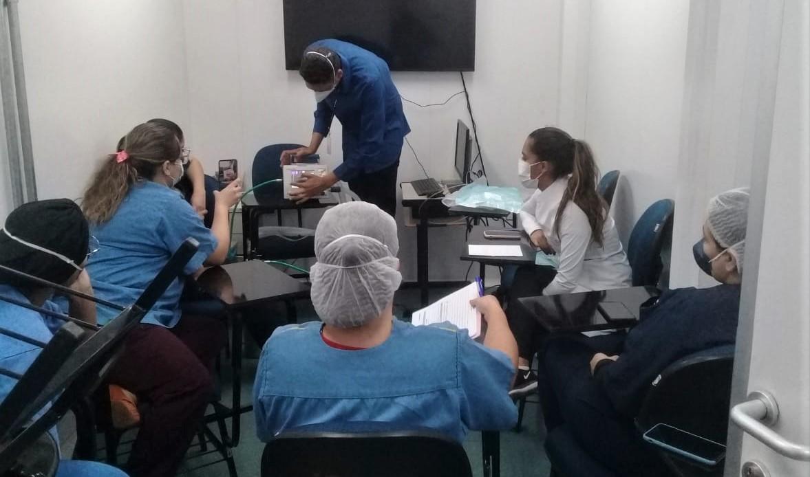 Treinamento sobre ventilação pulmonar na UPA de Samambaia